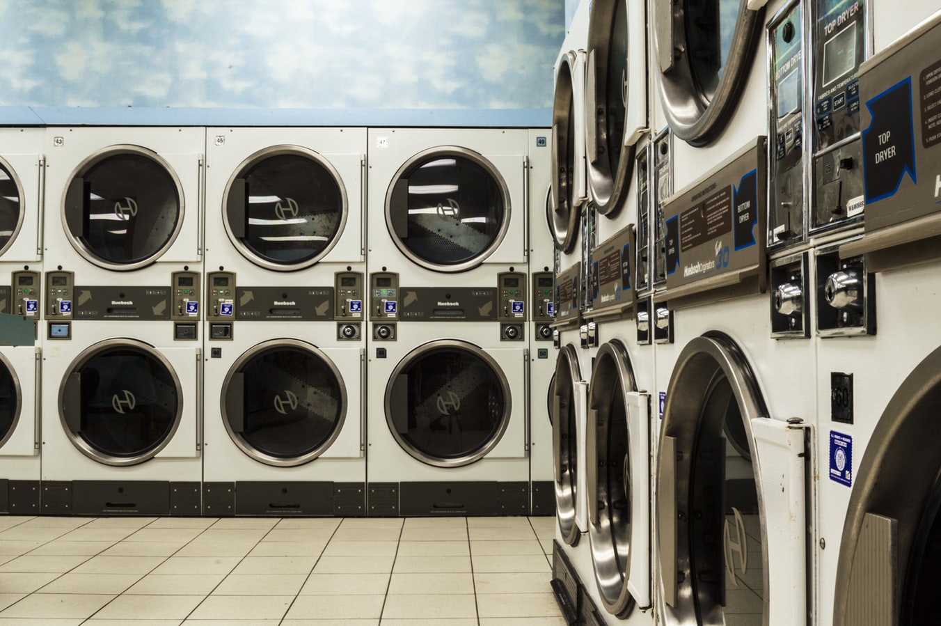3 Benefits of Having a Laundry Area in Your Basement